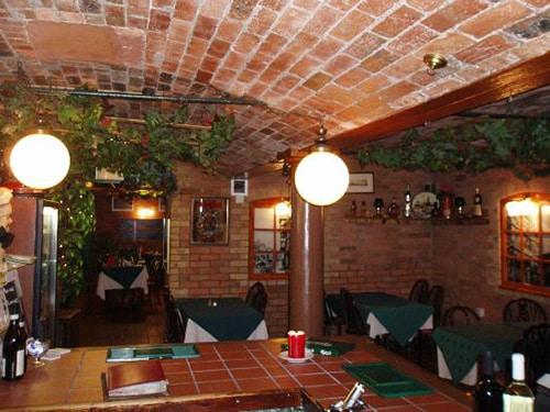 Italian Restaurant Osteria Da Paolos